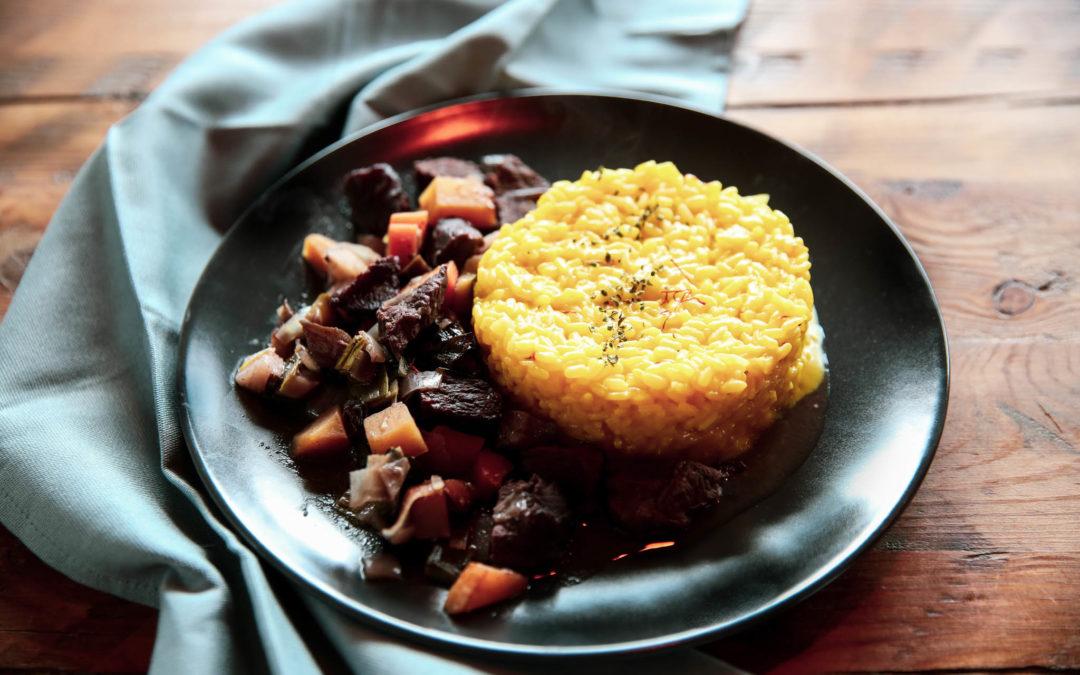 Safranrissotto mit Ragout und Bergbox-Gemüse